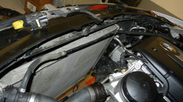 bmw e90 328xi disconnecting radiator hoses