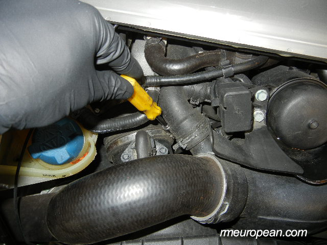 Porsche 996 Turbo engine mount replacement - Disconnecting the intake boot