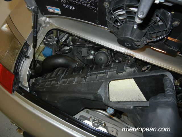 Porsche 996 Turbo engine mount replacement - Removing the air box out of the car