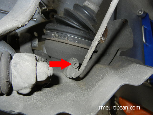 BMW E46 325xi Removing Front ABS Sensor