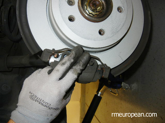 BMW E46 Brake Replacement - Installing the anti-rattle clip.