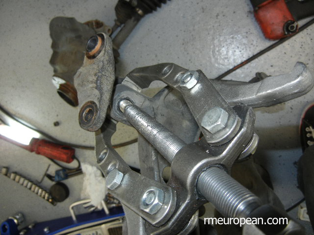 BMW E46 Separating Inner Ball Joint from Control Arm