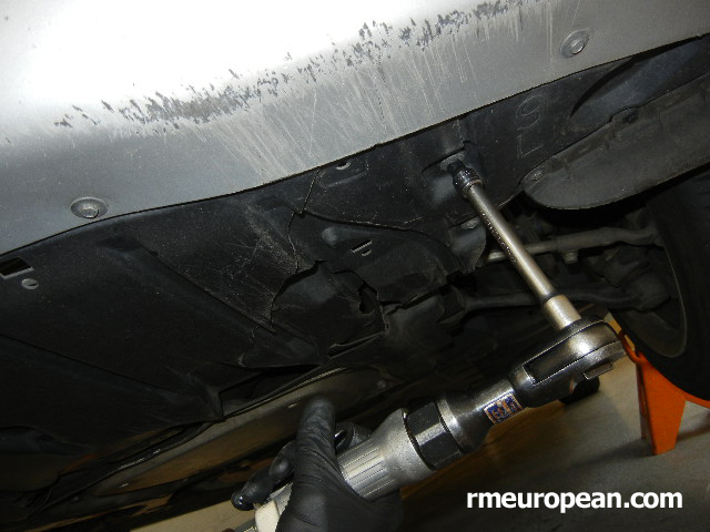 BMW E90, E91, E92 Engine mount replacement - Remove the undercar shield