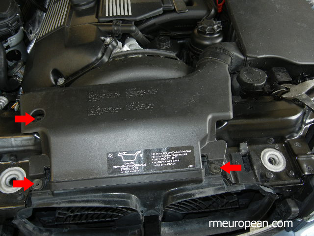 BMW E46 Removing the Air Scoop