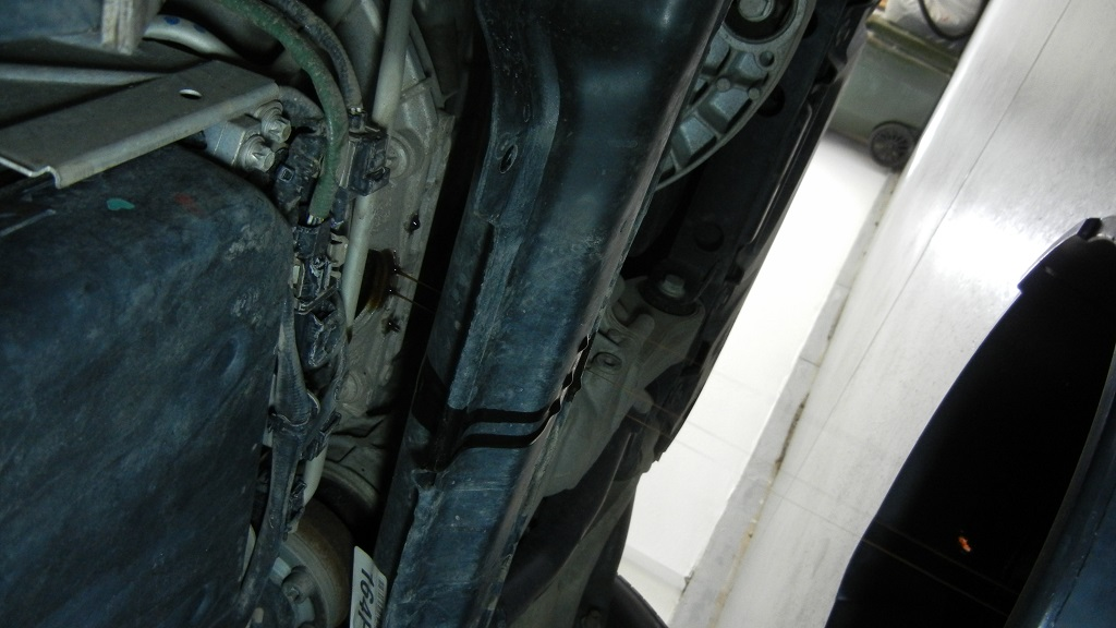Mercedes GL450 oil draining from the torque conveter