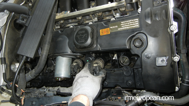 BMW E90 328xi Removing Ignition Coils